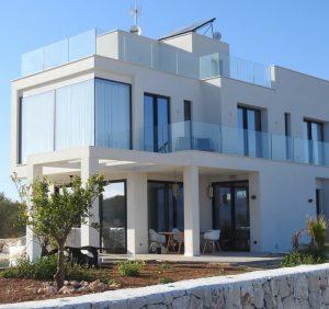 Czy warto kupować okna przesuwne na balkon i taras?