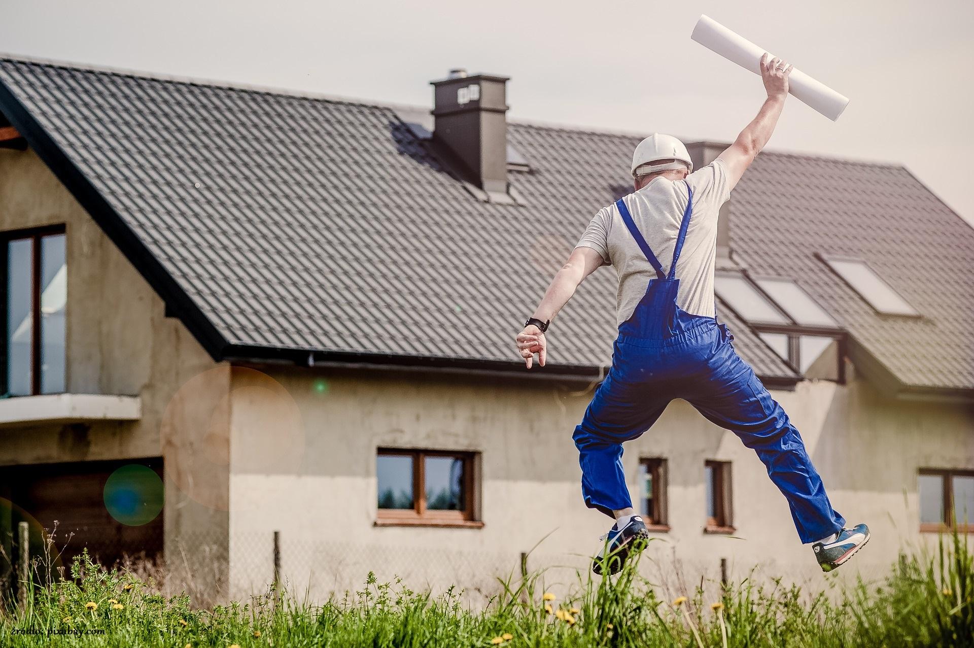 Budowlaniec podczas pracy