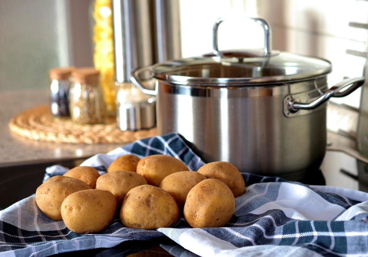 Wykorzystanie w kuchni ziemniaka uprawianego na działce