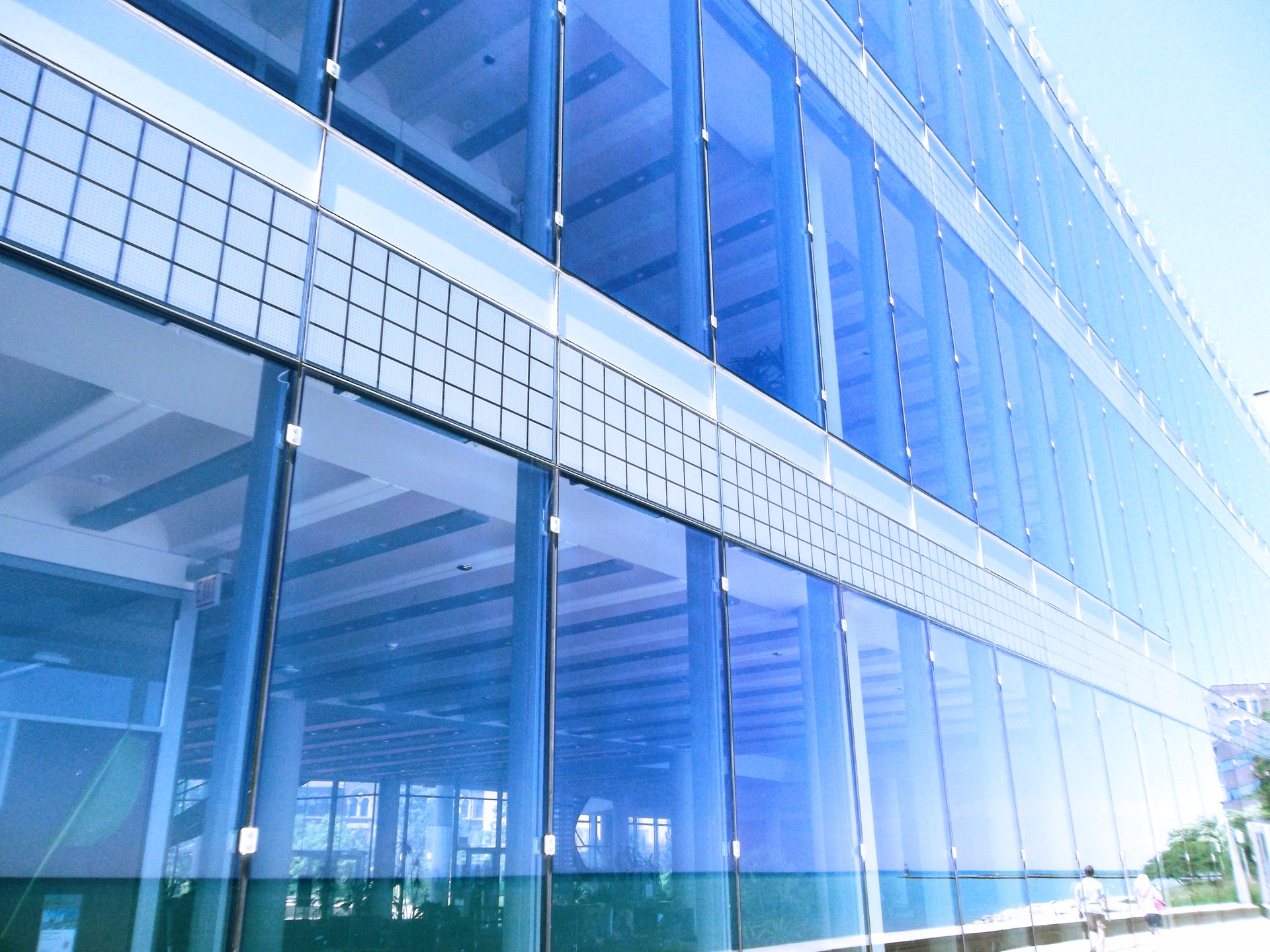 Szkło hartowane zastosowane w budynku