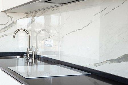 marmurowe płytki w kuchni