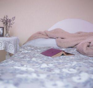Tani remont sypialni – sposoby na szybką i łatwą metamorfozę