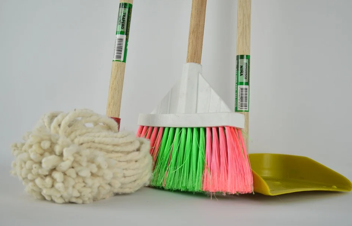 Mop ze spryskiwaczem – dlaczego warto go mieć?