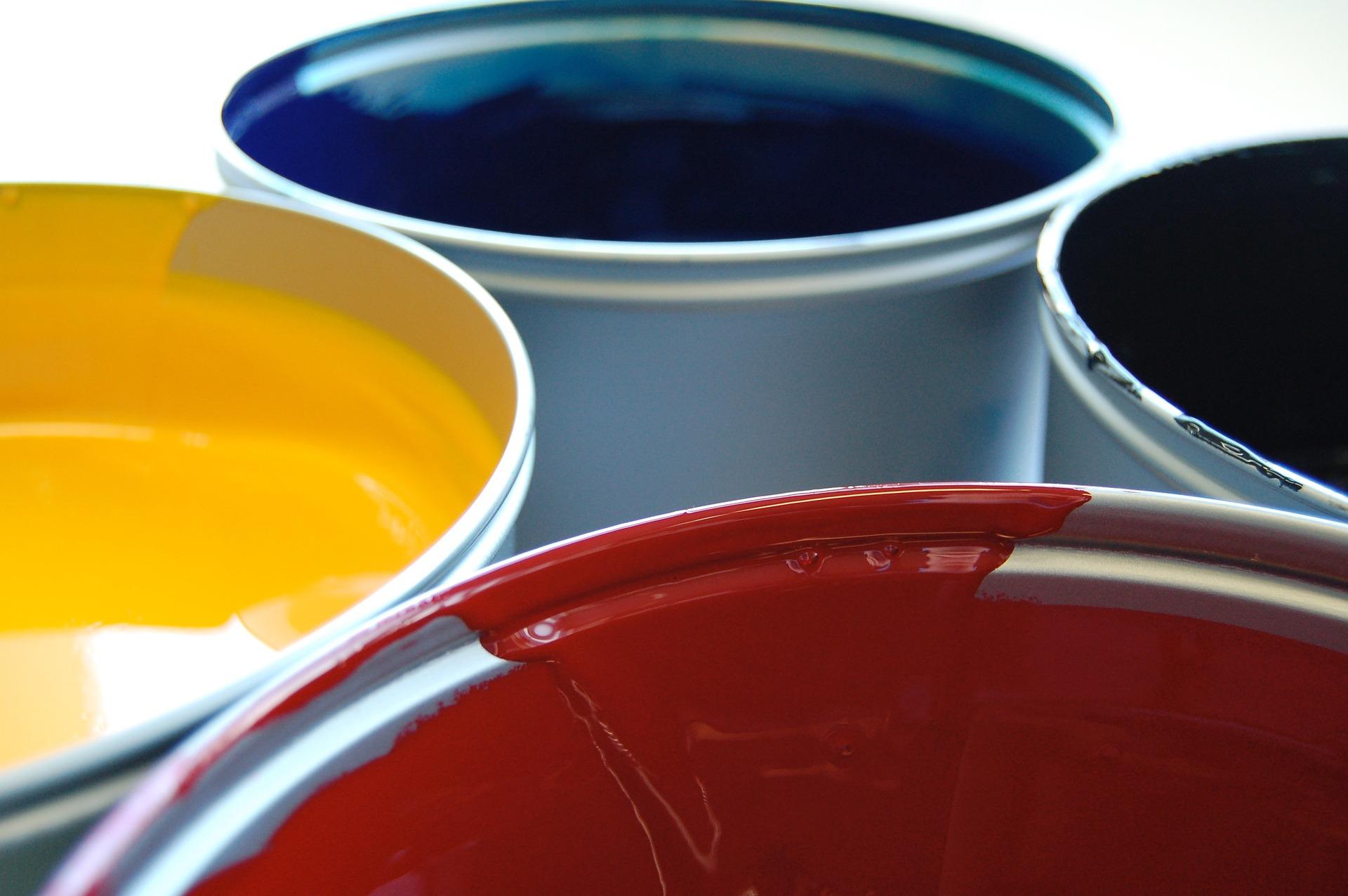 Malowanie dachu – czy farby wodne to rzeczywiście ekologiczne rozwiązanie?