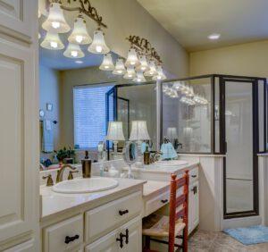 Która wisząca szafka łazienkowa sprawdzi się w Twoim domu?