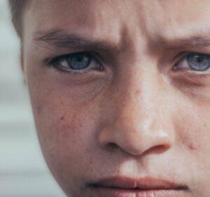 Jak dzieci reagują na pijanego rodzica?