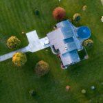 Napowietrzanie trawnika – kiedy wato je wykonać?