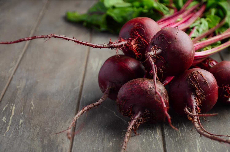 Poznaj 5 smacznych przepisów na buraki zasmażane